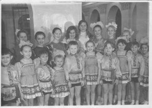 Obraztsovyj Ansambl Narodnogo tantsa Kalinka 1975g Ruk. Zimina G.I. 300x214 - История